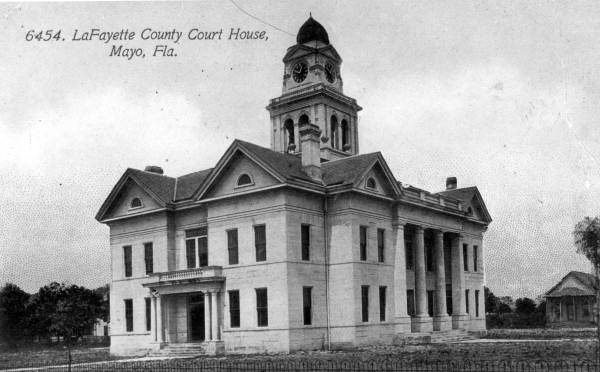 OLD COURTHOUSE PIC BLACK AND WHITE